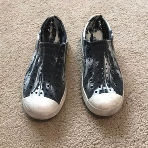 Black and white marble native shoes